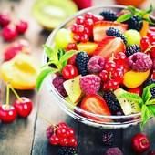 Durante el verano encontramos frutas que se encuentran en su mejor momento, como el melón, la sandía, las fresas, el melocotón, la nectarina, las cerezas, las peras de verano, las ciruelas y a finales de agosto, también los higos.  Las frutas de verano destacan por ser refrescantes, de colores llamativos y de sabor dulce. Además, son ricas en agua, por lo que son una buena opción para hidratarnos en verano.  Come sano, búscalas en Aprop . . . #gava #castelldefels #viladecans #comerç #comerçproximitat #comerçdeproximitat #comerçdequalitat #comercio #comerciodeproximidad #comerciodecalidad #compraonline #ecommerce #martorell #proximidad #proximitat #santestevesesrovires #tendesdebarri #tiendasdebarrio #tendesdesempre #tiendasdesiempre #salud #sostenibilidad #sostenibilitat