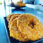 Alguna vez habéis probado un nugget de pollo con forma de Donut? Es algo excepcional que les encantará a los más peques de la familia, y a los no tan peques... . . Hecho con el pollo más tierno y con un especial rebozado con una mezcla de panes..  . . No dejes de probarlo! Cómpralos en Aprop Gavà en @labotigadelpollastre  . . . . . . . . #gava #castelldefels #viladecans #comerç #comerçproximitat #comerçdeproximitat #comerçdequalitat #comercio #comerciodeproximidad #comerciodecalidad #compraonline #ecommerce #martorell #proximidad #proximitat #santestevesesrovires #tendesdebarri #tiendasdebarrio #tendesdesempre #tiendasdesiempre #salud #sostenibilidad #sostenibilitat