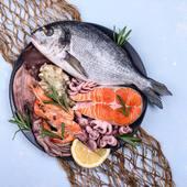 Xavi I Jaume son  la 3ª generación dedicada al pescado y marisco fresco y congelado, enfocando todos sus esfuerzo a la atención de la venta al detalle y de proximidad, todo esto colaborado por un equipo humado de profesionales que hace realidad nuestra misión.  Actualmente le ofrecemos pescado directamente de nuestro litoral así como de otros puertos de la península.   Nuestra empresa está registrada en la Agencia de Salud y disponemos de Registro Sanitario.  Los puedes encontrar en Aprop Gavà, no te pierdas la oportunidad de comprar pescado de proximidad y nosotros te lo LLEVAMOS A CASA